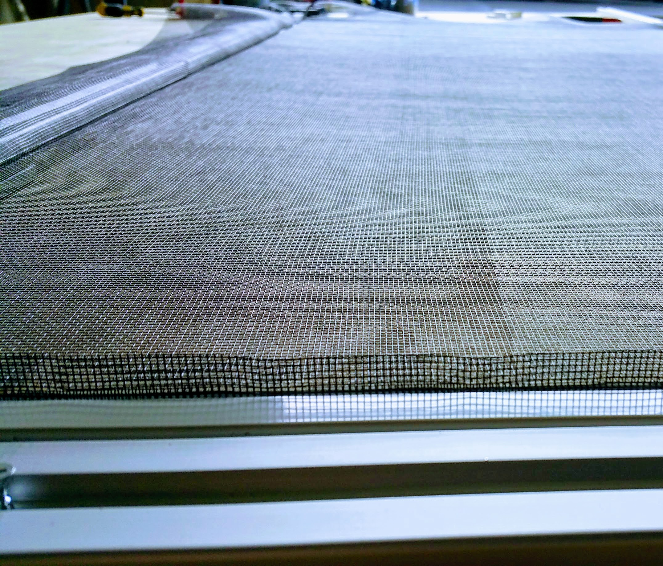 Home replacement window screens portland for Home window screen repair